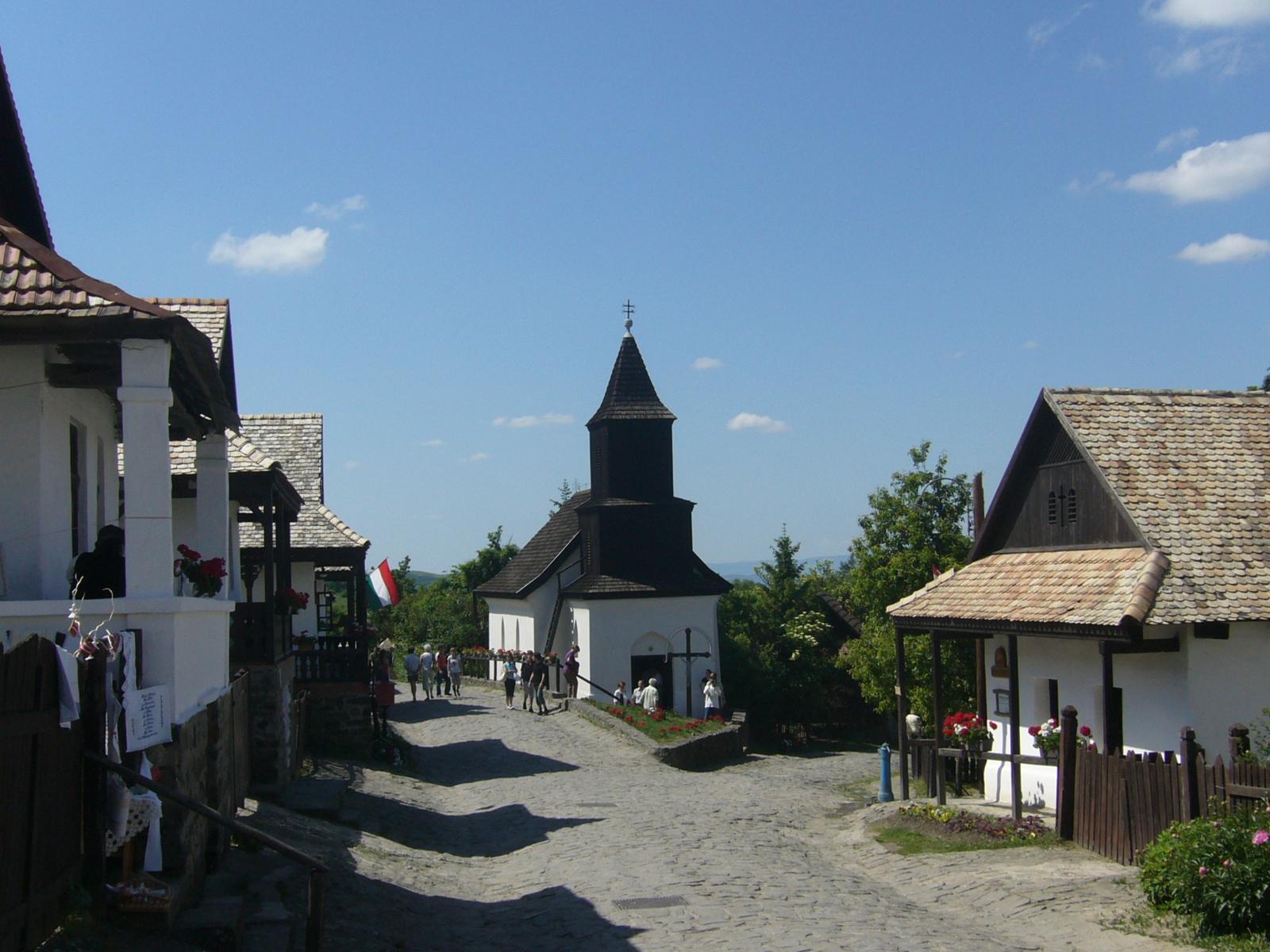 Hollk_falu_F_utca_rszlet
